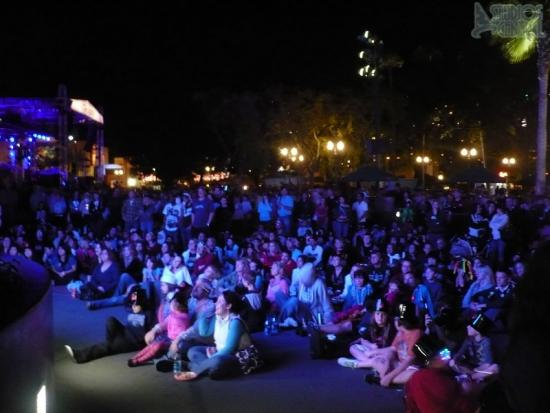 Guests watching American Idol Experience finale