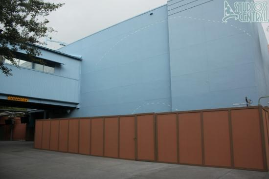 Dotted line added to walls at Captain Jack Sparrow Experience